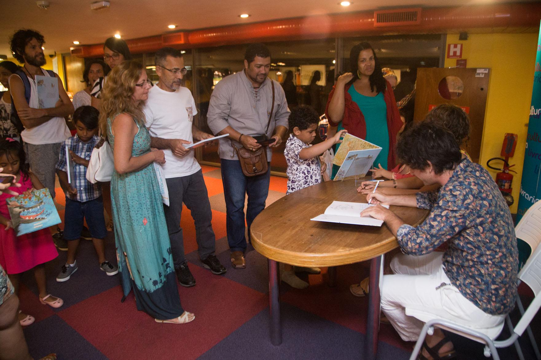 Com escritor Valdir Oliveira